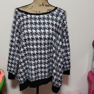 26/28w cato houndstooth sweater with texture
